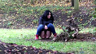 Shy kinky amateur black head has to pee outdoors..