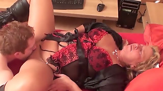 Cougar milf   enjoys  foursome sex fun